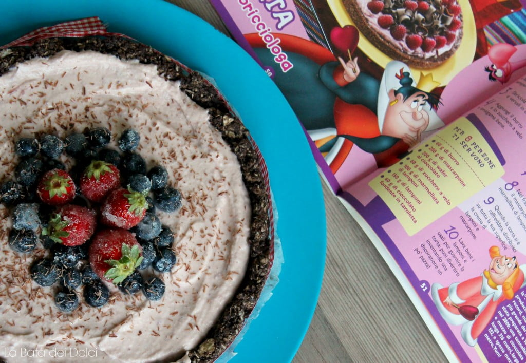 Cheesecake alla fragola con base di wafer al cioccolato
