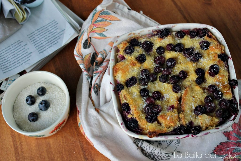 Pudding bread con cocco e mirtilli1