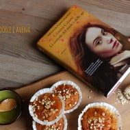 """Tortini con miele, mandorla e avena… e """"La custode del miele e delle api"""""""
